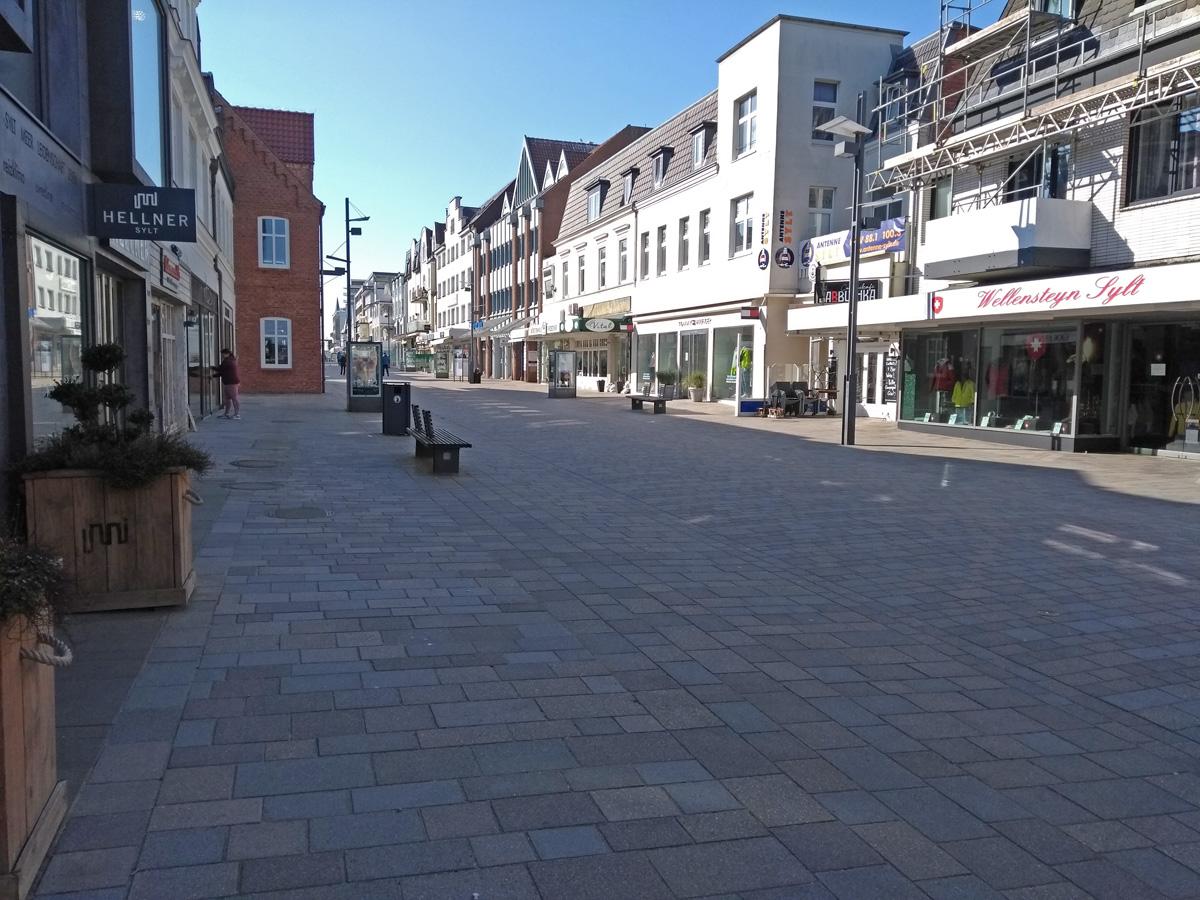 sylt/Westerland 一番のメインストリート 人はほぼいない。